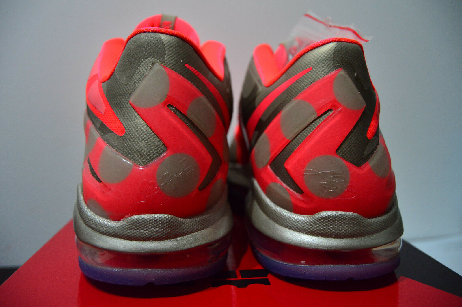 NIKE MAX LEBRON XI LOW LOW LOW COLLECTION 683256 064 METALLIC ZINC HYPER PUNCH-ICE US9.5 419f61