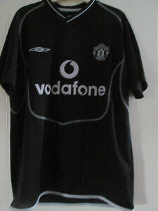 9b78f8651fe Image is loading Manchester-United-2000-2001-Goalkeeper-Football-Shirt -Youths-