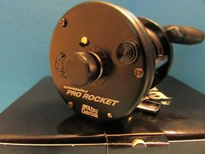 AMBASSADEUR-6500CS-PRO-ROCKET-BLACK-EDITION-PR-6500BE-ABU-GARCIA-NEW-IN-BOX