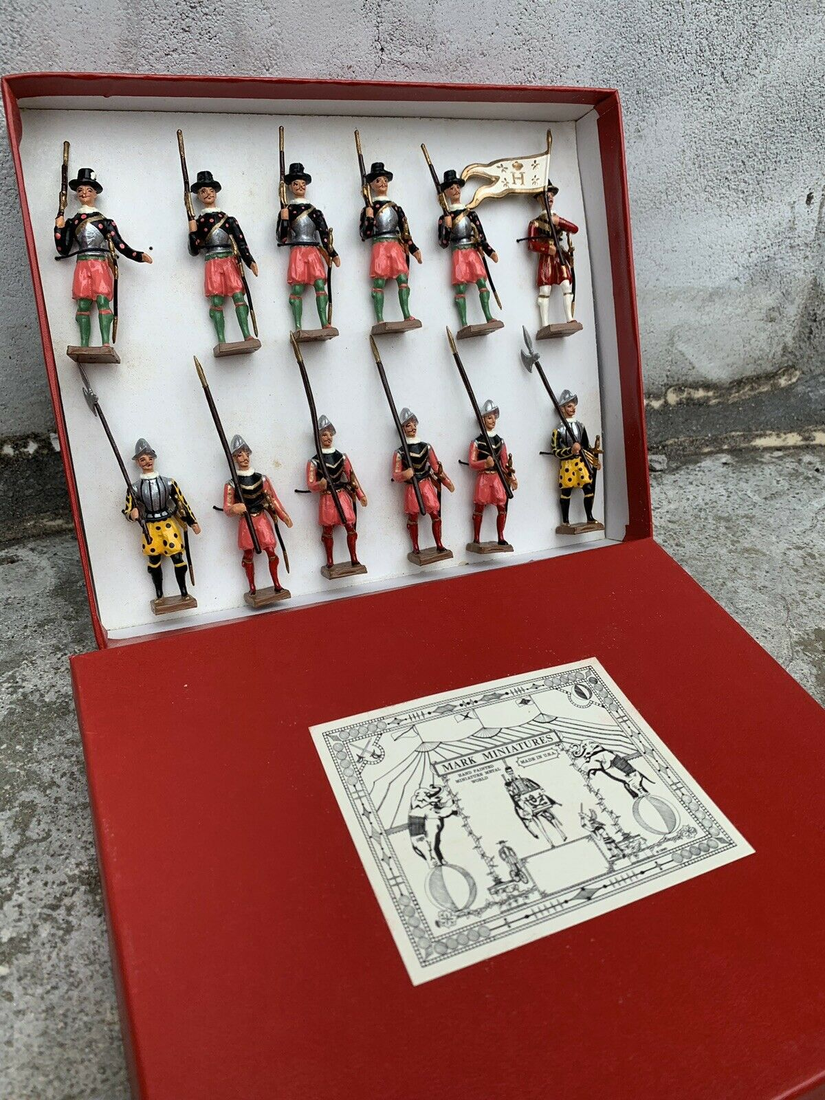 Siglo XVII    juguetes de metal pintados a mano 532