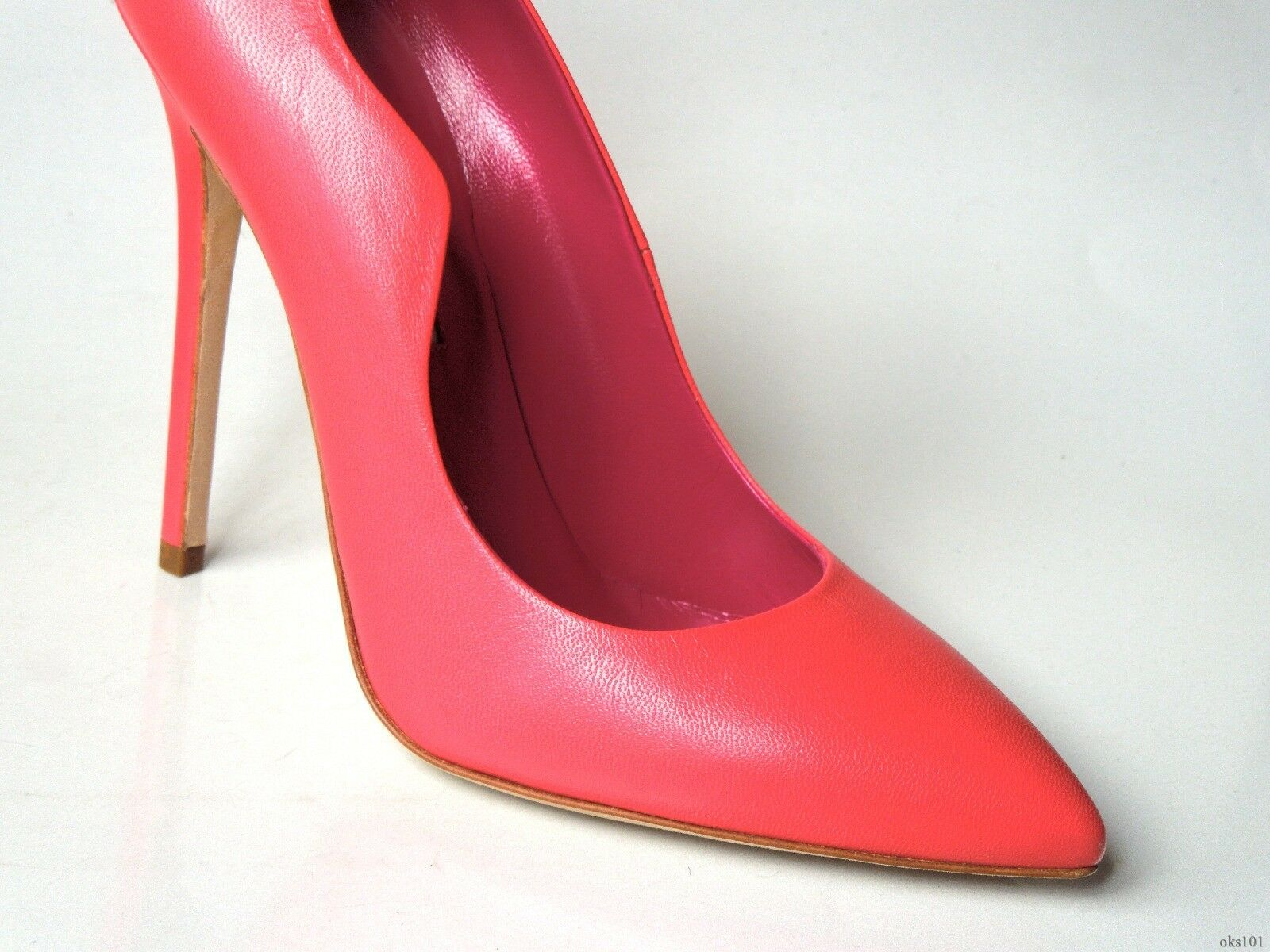 NIB $695 BRIAN ATWOOD 'Besame' CORAL leather scalloped shoes super 39 US 8 - super shoes hot 511ea8