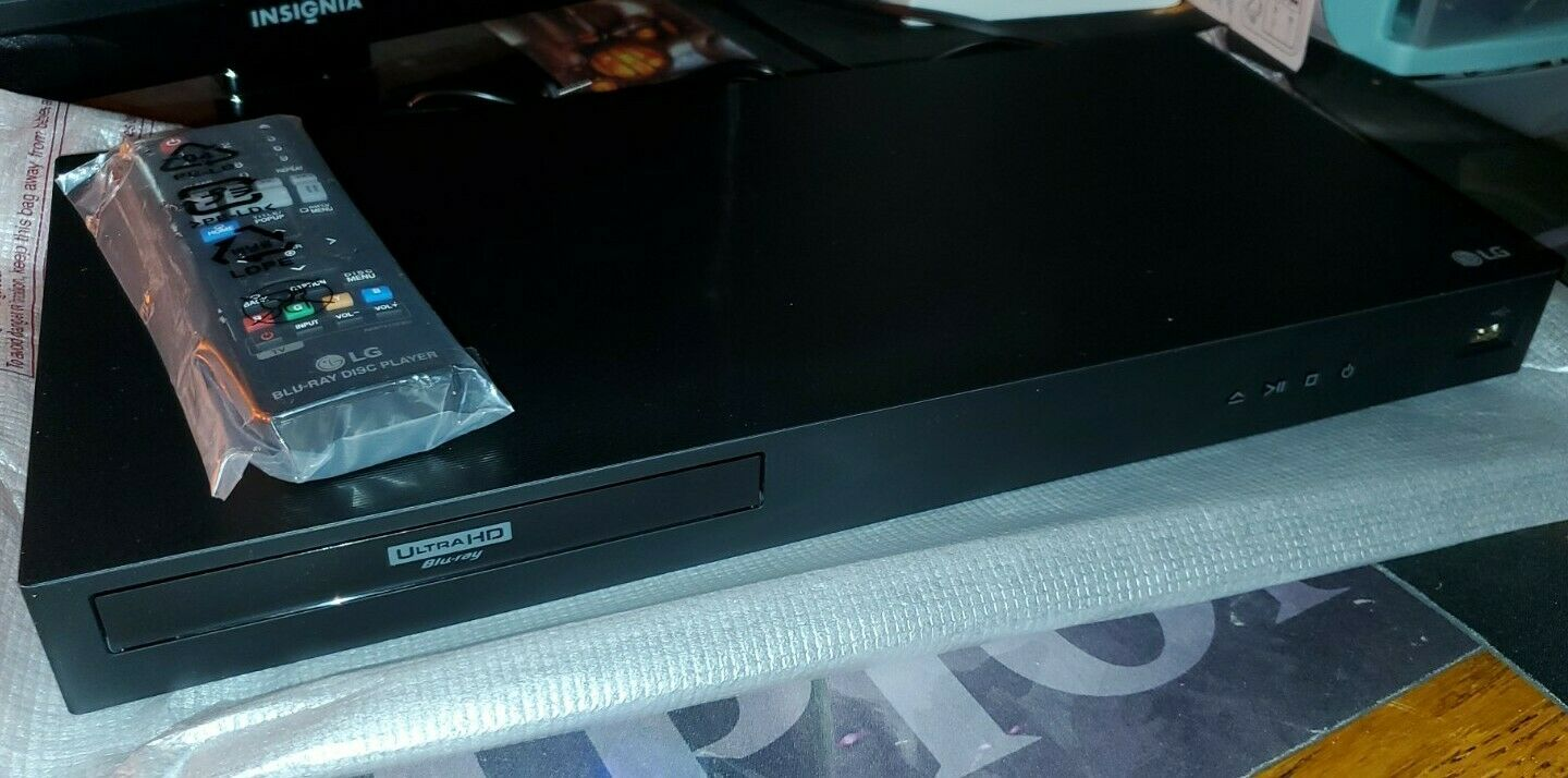 LG UBKM9 Streaming Ultra-HD Blu-Ray Player and Built-in Wi-Fi W/Remote and player streaming ubkm9