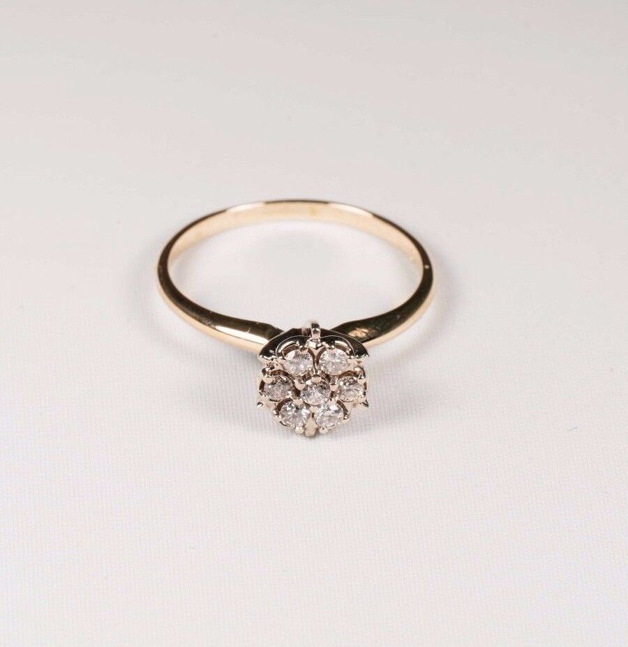 2.4 Gram 14K Yellow gold 1 3 ct. tw. Diamond Cluster Ring, size 8