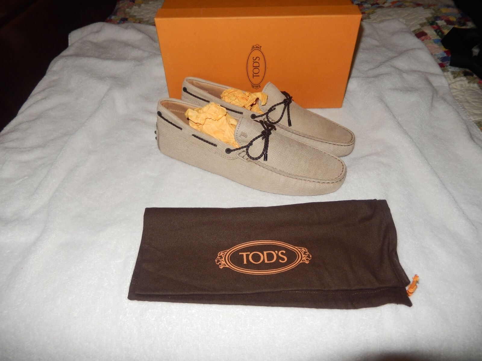 Brand New With Box Tod's Laccetto New Gommini 122 Classic Loafer Biege 10.5 D