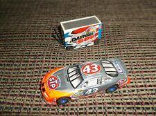 1:64 NASCAR #43 John Andretti STP Pontiac Grand Prix (silver) with War Wagon