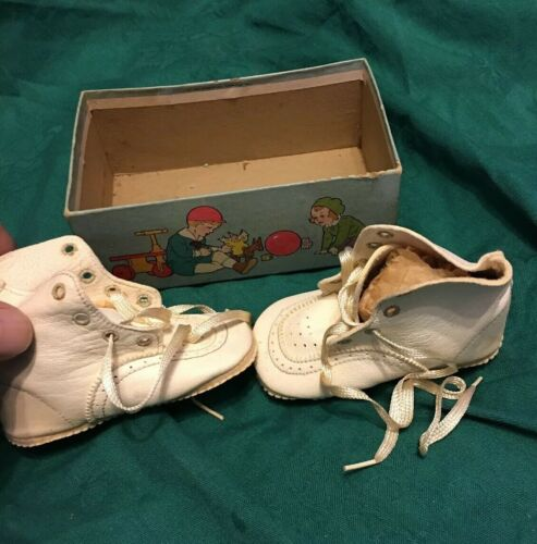 Vintage 1920s Or 30s Small White Baby Or Doll Shoe