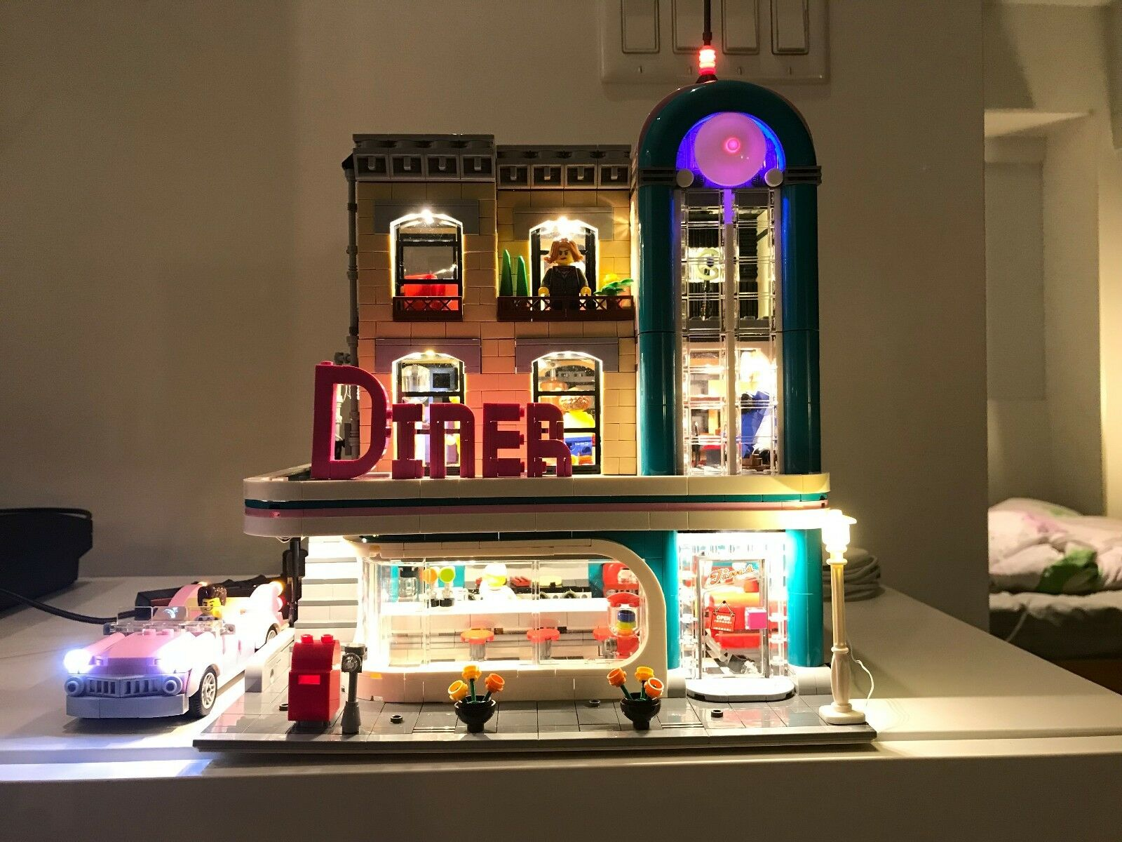 Customized Lighting System  LEGO CREATOR Downtown Diner 10260