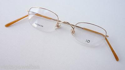 Bello Titan-occhiali Oro Occhiali Versione Solo Bordo Superiore Leggermente Super Piccole Bicchieri Misura S-mostra Il Titolo Originale