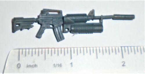 GI Joe Figure Accessory 2004 Duke V16        4 Piece Carbine Assault Rifle Gun