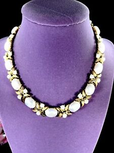 CROWN-TRIFARI-GOLD-PLATE-FAUX-PEARL-STYLIZED-XO-HUGS-amp-KISSES-COLLAR-NECKLACE