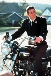 Richard-Gere-photo-Triumph-Motorbike-An-Officer-amp-A-Gentleman-11x17-Mini-Poster