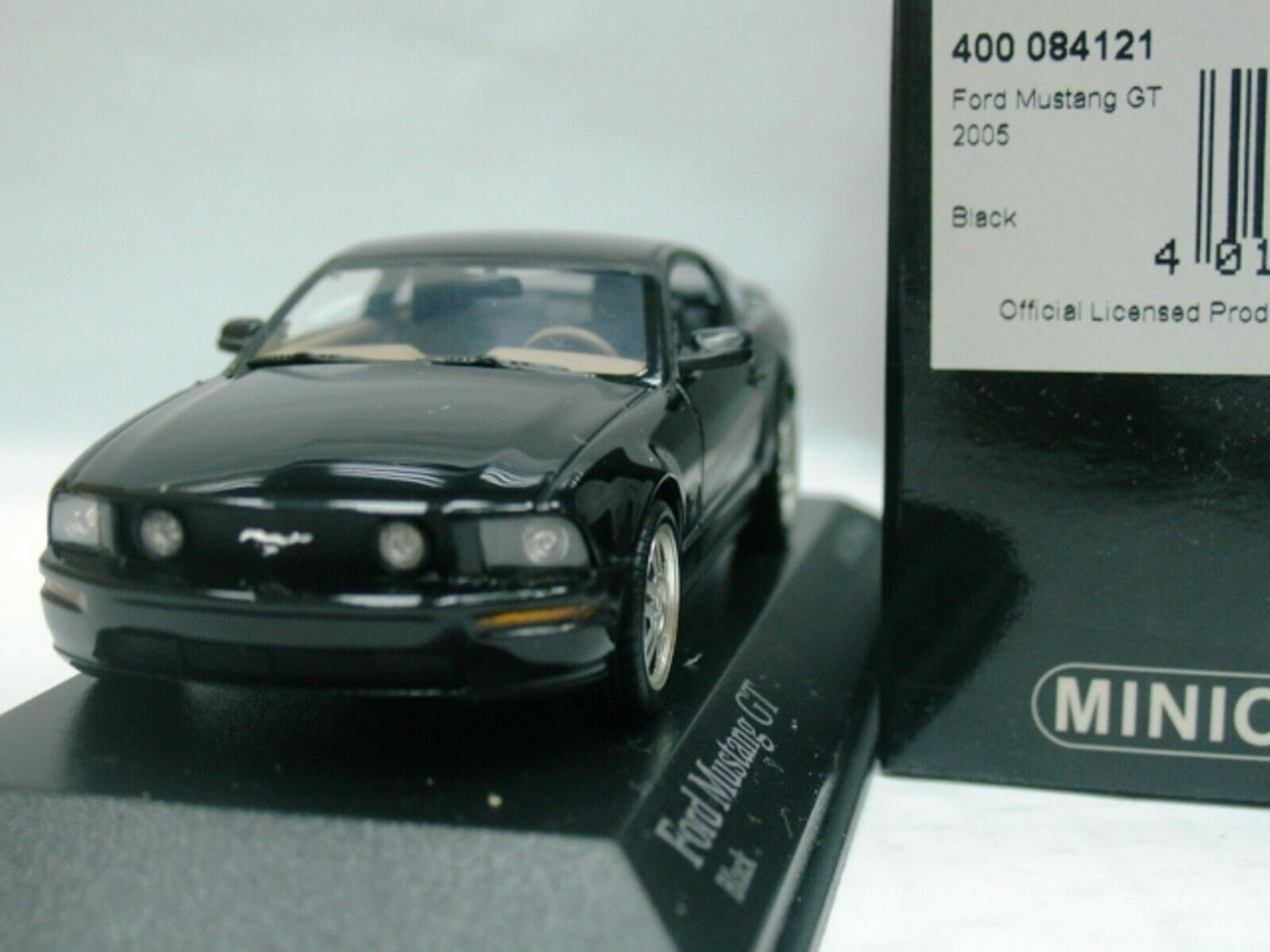 Wow extremadonnate raro Ford Mustang GT V8 2005 Fastback 2+2 nero 1 43 Minichamps-RS