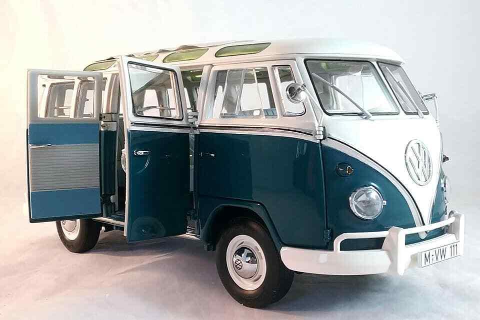 VW T1 Samba Wintersport Voiture Miniature en 1 18 Echelle par Schuco