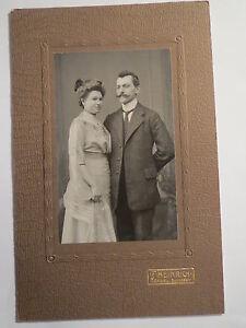 Torgau-stehendes-Paar-Mann-und-Frau-Portrait-KAB
