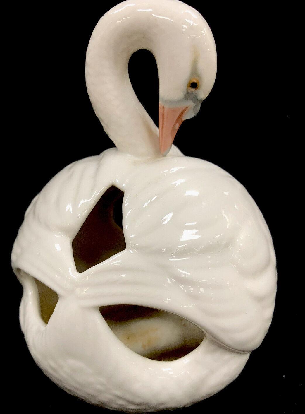 Image 4 - Vintage Retired Lladro Porcelain Swan No 4829 1982 Made In Spain