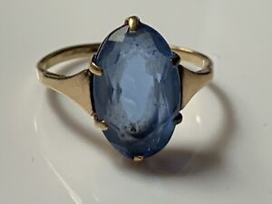 Stunning-Hallmarked-Vintage-9ct-gold-ring-with-marquise-cut-blue-stone-1-9g