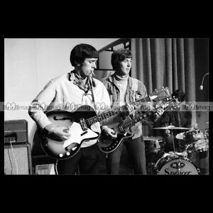 phs-005543-Photo-MUFF-amp-STEVE-WINWOOD-SPENCER-DAVIS-SPENCER-DAVIS-GROUP-1966