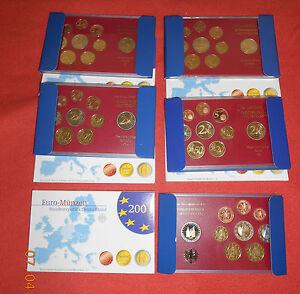 Euro-Gedenkmuenzen-Muenzen-Deutschland-2006-2-Euro-Holstentor-alle-Praegestaetten