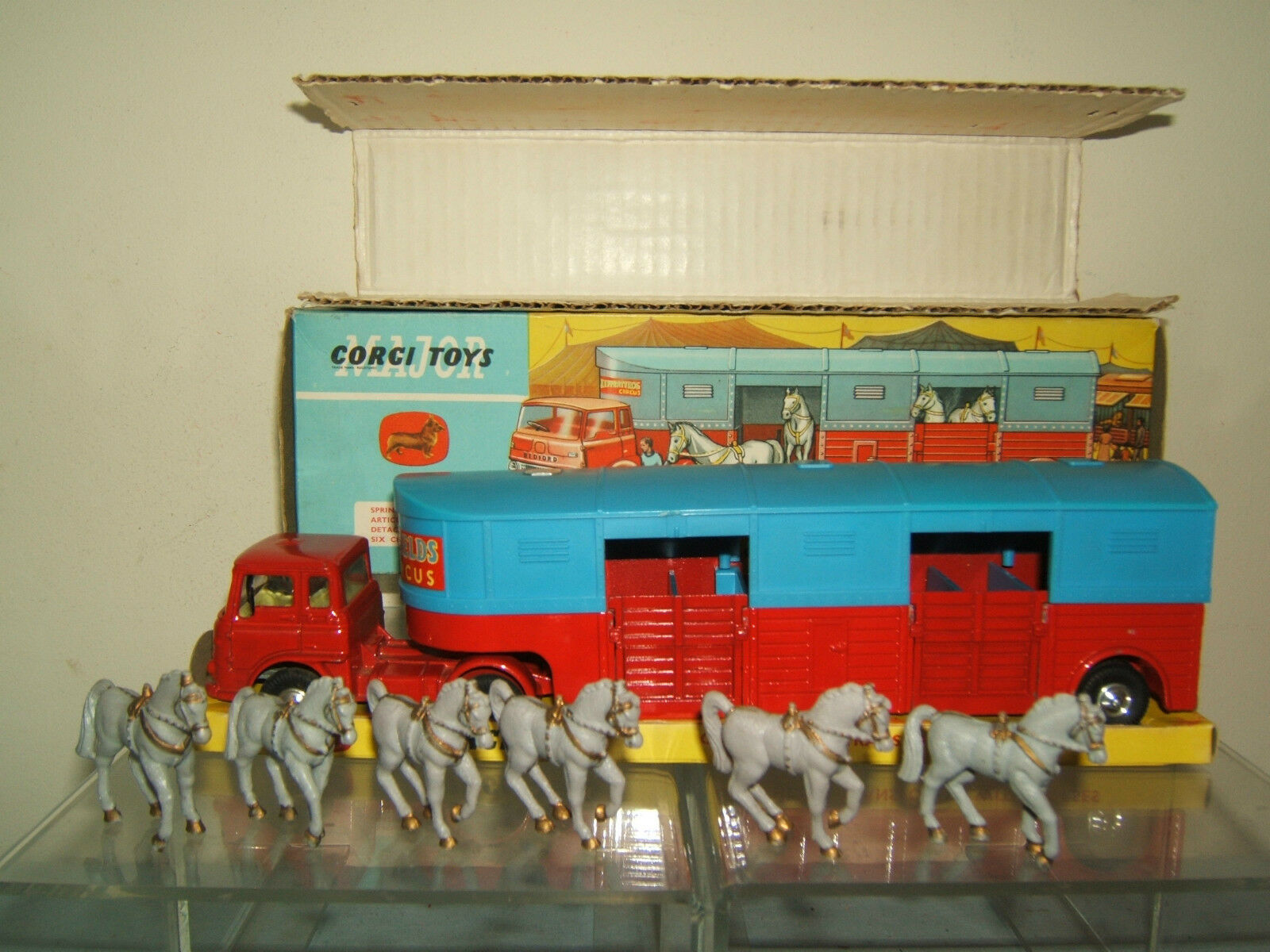 CORGI MAJOR MODEL No.1130 CIRCUS HORSE TRANSPORTER   VN MIB