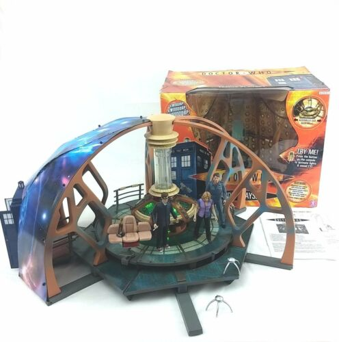 Dr Who Tardis Play set and extra figures david tennant 10th doctor rose tyler