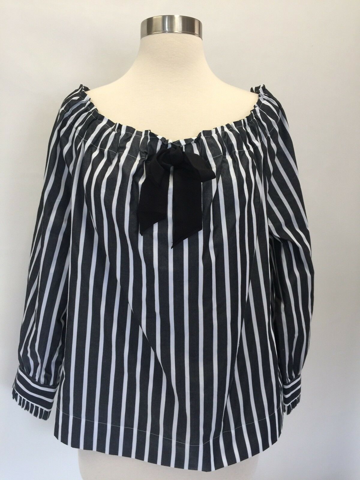 NWT J.CREW schwarz Weiß Off-the-Shoulder Striped Top With Bow Blouse Größe M G9945