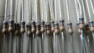 SELTEN WIDERSTAND 75 Ohm  1//2W  KOHLESCHICHT NOS   D3x9mm    50x    24293