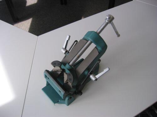 Schwenkbarer Schraubstock Spannw Backenbreite 125mm bewegliche Backen 147mm