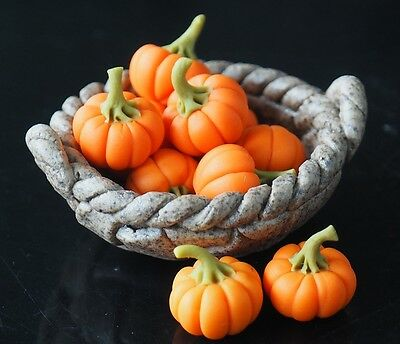 100 Loose Pumpkins Dollhouse Miniatures Fruit Vegetable Deco Halloween Day