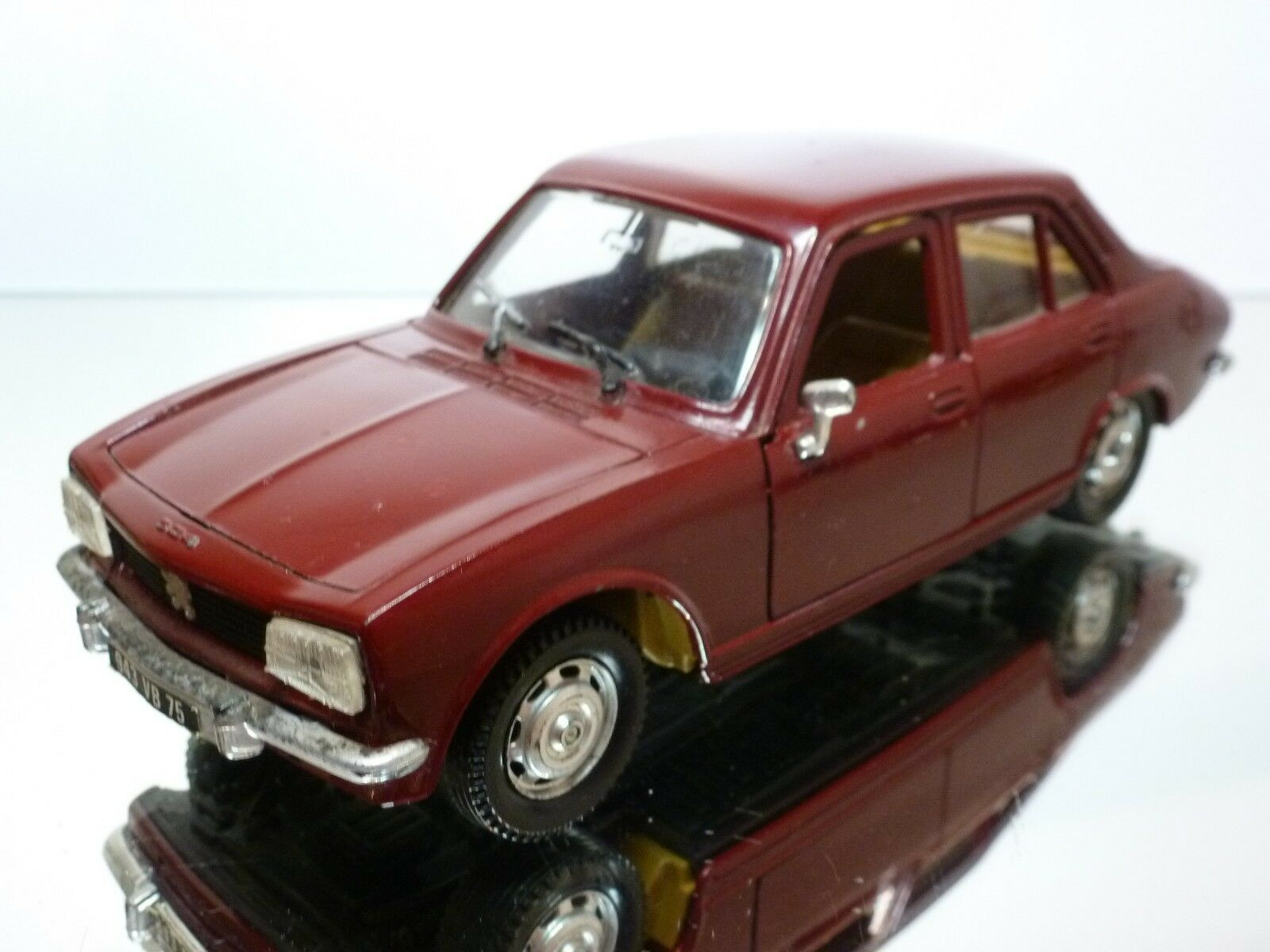 POLISTIL S48 PEUGEOT 504 GL - DARK rouge 1 26 - GOOD CONDITION