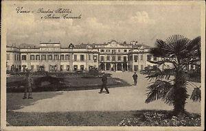 Varese-Italien-s-w-AK-1928-Giardini-Pubblici-e-Palazzo-Comunale-mit-Briefmarke