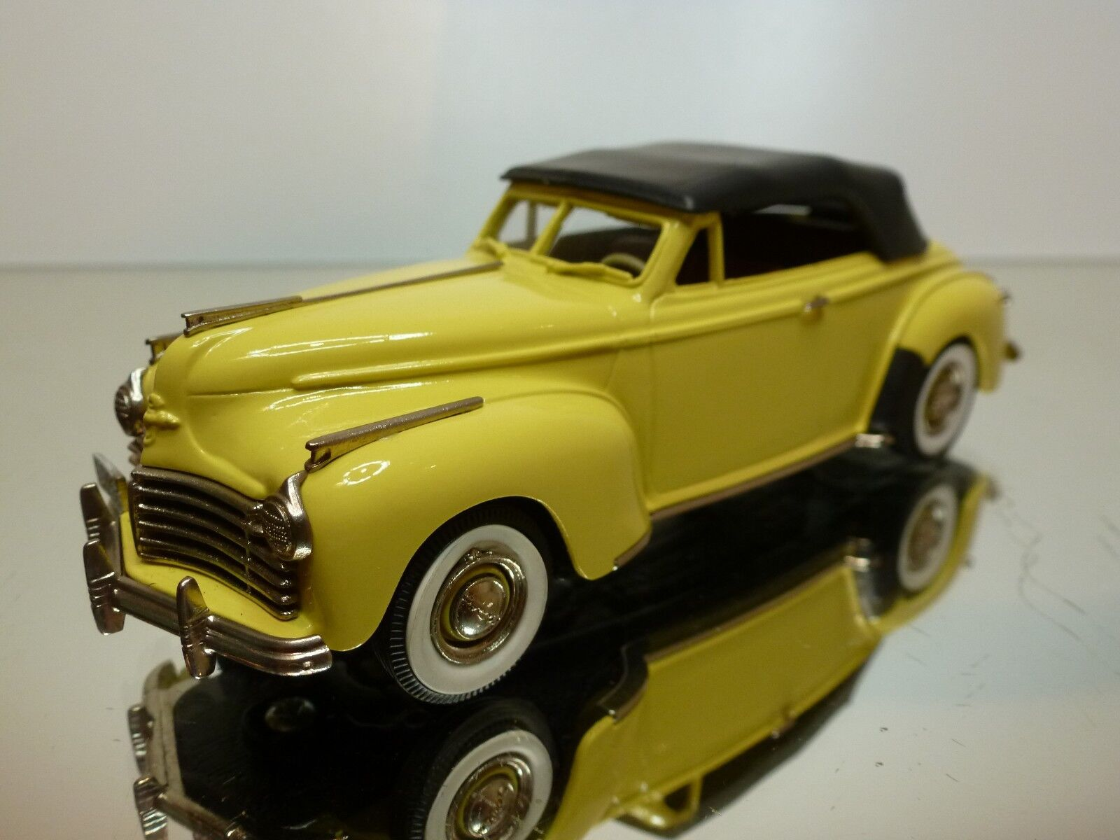 BROOKLIN MODELS CHRYSLER NEWYORKER CONVERTIBLE - jaune 1 43 - EXCELLENT - 6