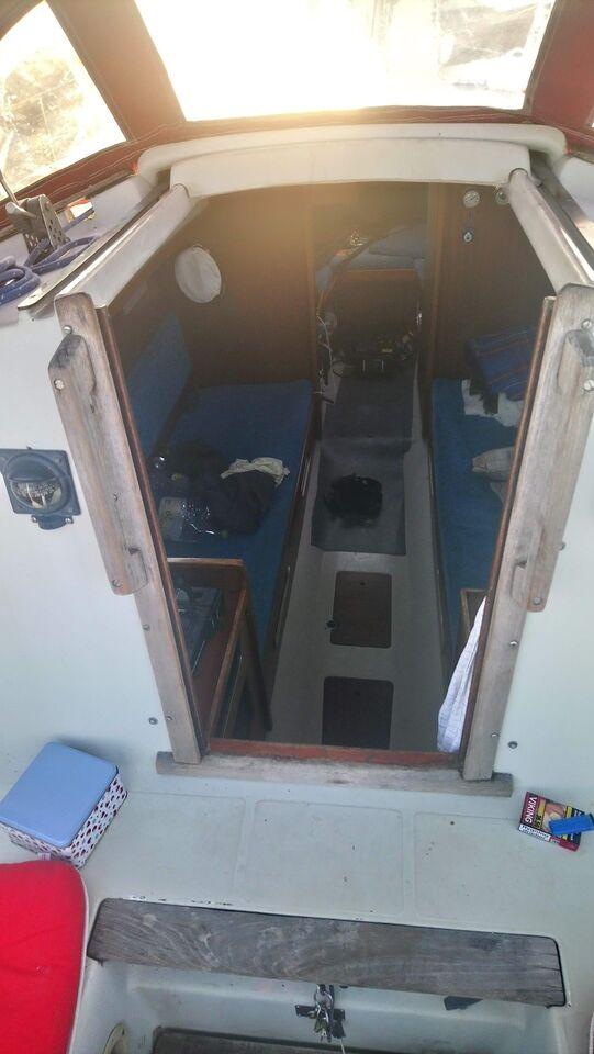 Båd med bådplads til salg: Oplysning om bådplad...
