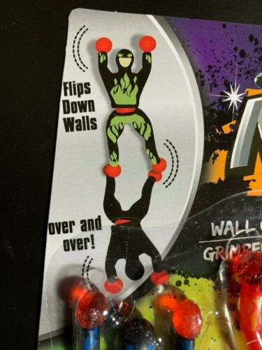 NINJA WALL CRAWLERS FLIPS DOWN WALLS OVER /& OVER NEW IN PACKAGE PACK OF 3