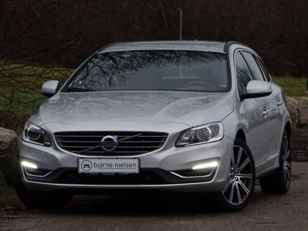 Volvo V60 2,0 D3 150 Momentum aut. - billede 1