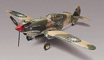 P40b Tiger Shark 1:48 Plastic Model Kit MONOGRAM
