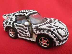 Huichol-Tribe-Mexican-Folk-Art-Black-amp-White-Beaded-Car-With-Coyote-Design