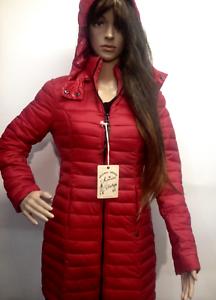 piumino donna   3/4 poliammide imbottito poliestere  cappuccio staccabile rosso