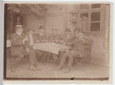 (F1433) Orig. Foto Männergruppe am Biertisch, Lokal, 1920er