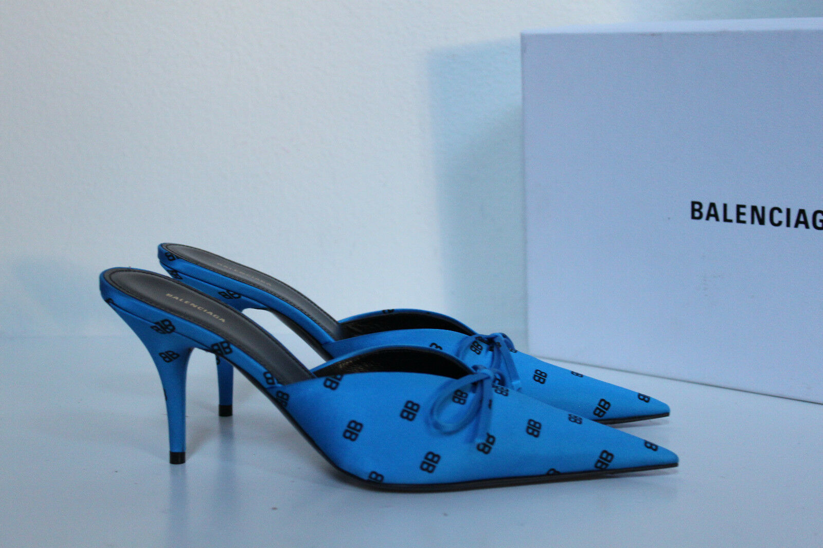 New sz 7   37.5 Balenciaga Royal bluee Logo Satin Bow Pointed Toe Mule Pump shoes