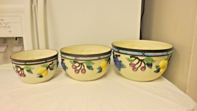 3-pc Mikasa Garden Harvest Nesting Mixing Bowls KT429-Various Raised Fruits