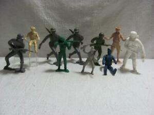 Vintage-Marx-Soldiers-and-Others-set-of-10-in-All