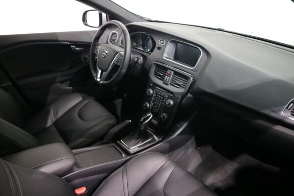 Volvo V40 CC 2,0 D3 150 Momentum aut. - billede 4
