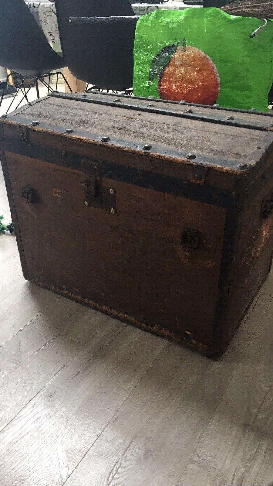 Picture of: Gammel Kuffert Kiste Dba Dk Kob Og Salg Af Nyt Og Brugt