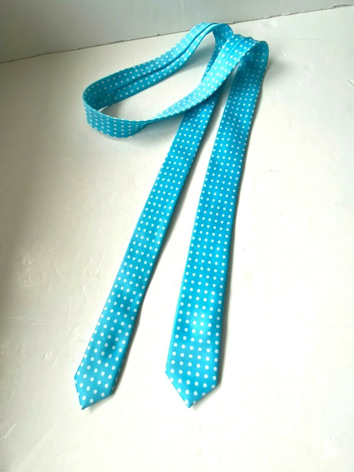 Ladies Light Blue Small Polka Dot TIE Spotty Thin Shape Pre Owned VGC Polyester