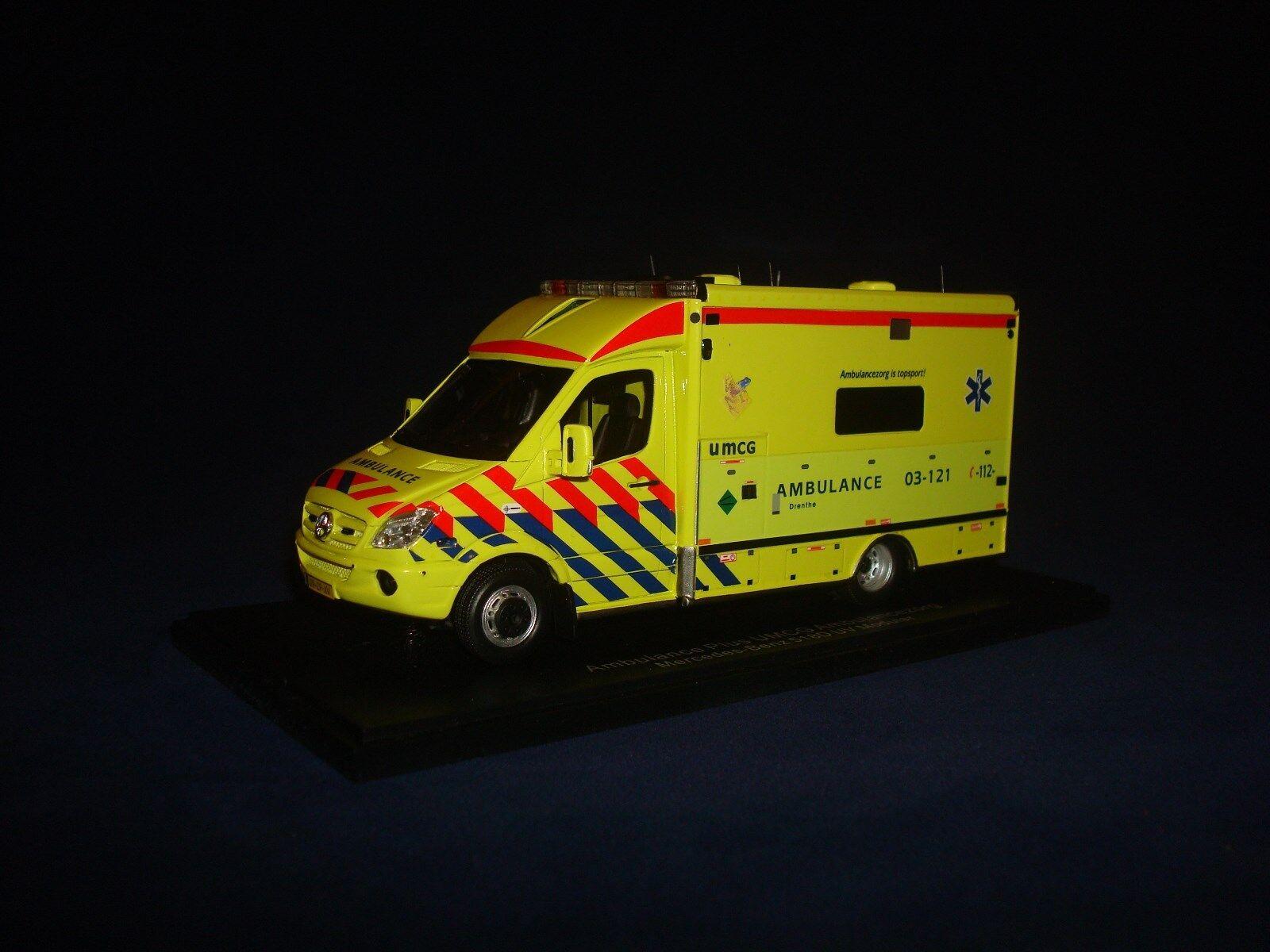 SUPER RARE  Mercedes Benz 518D UV Modular Ambulance 2008 NEO43866 1 43