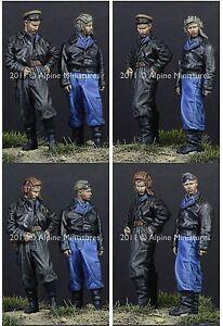 Alpine-Miniatures-1-35-35119-Russian-AFV-Crew-44-45-Set-2-Figures