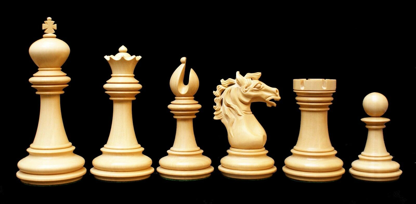 Regal Series 4  Premium Staunton Chessmen in Ebony Wood and Box Wood