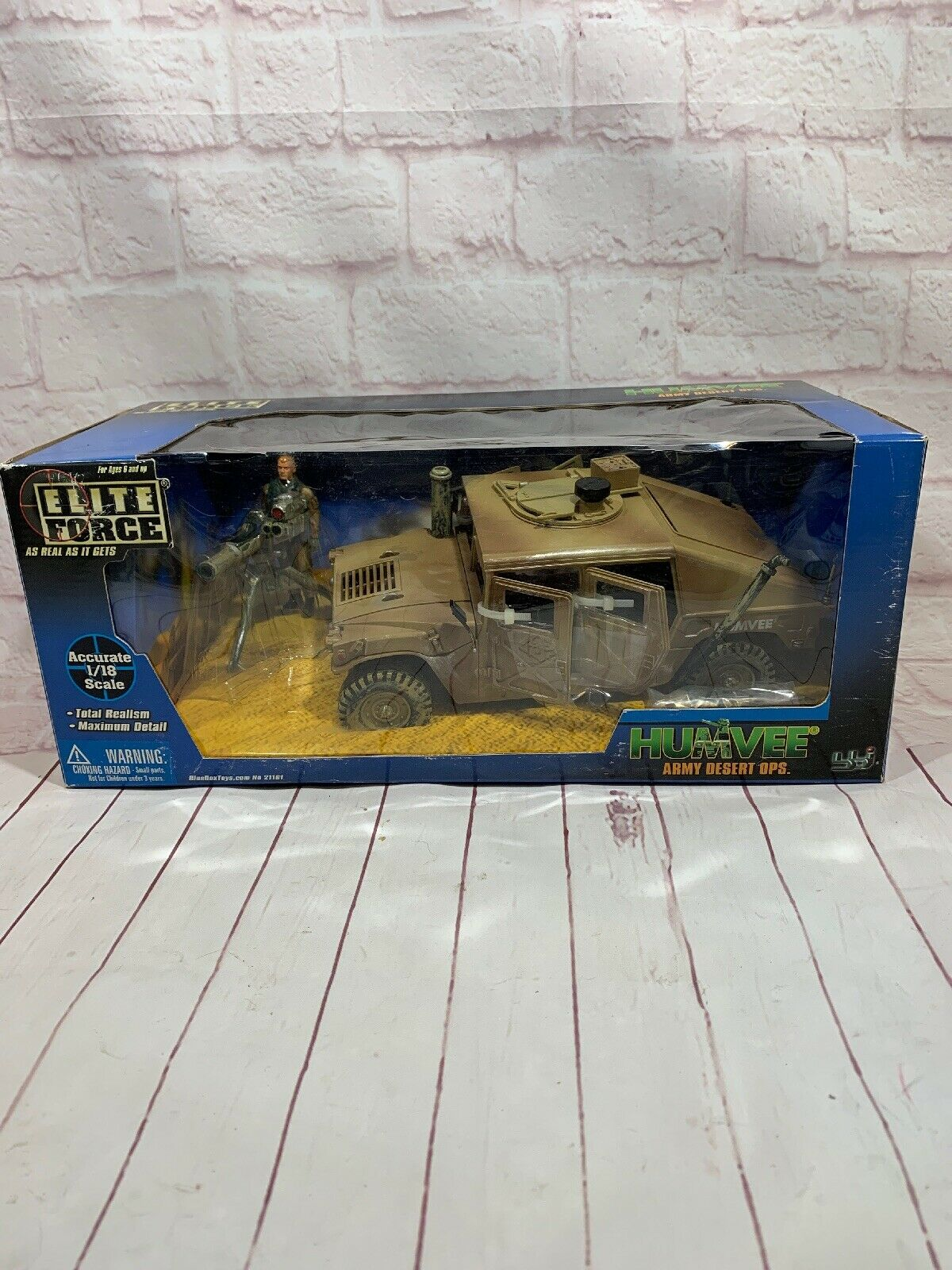 BBi ELITE FORCE Army Desert Ops. Humvee New In Box 1 18 Scale