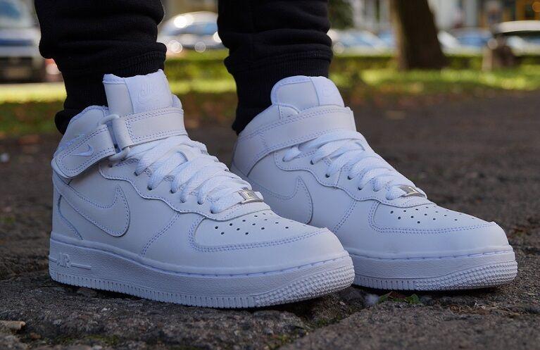 Zapatos promocionales para hombres y mujeres Nuevo Zapatos Nike Air Force 1 Medio Hight Deportiva botín blanco