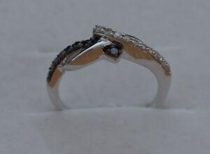 Cruce-de-giro-plata-esterlina-925-Negro-Y-Blanco-Diamante-Set-Anillo-caracteriza